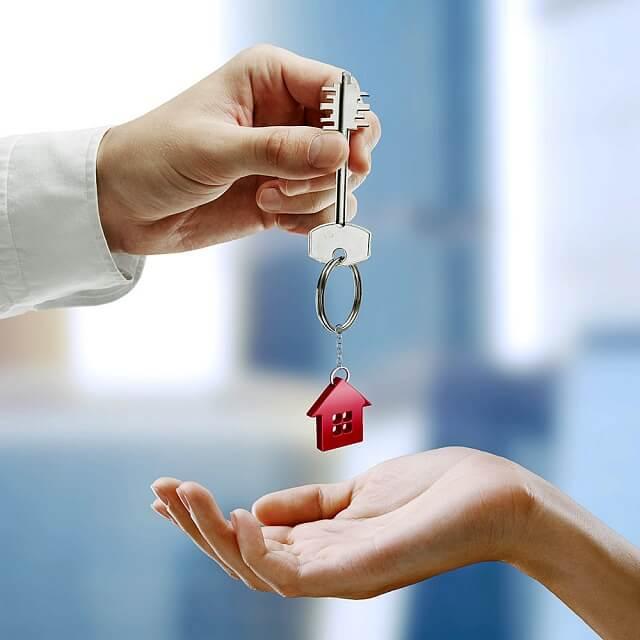 Какие риски при продаже дома и земли под детские деньги