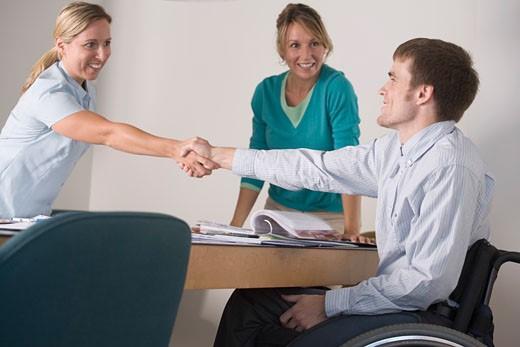 Какие документы проверить при покупке квартиры и как определить дееспособность продавца