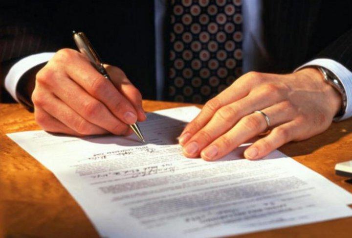 Особенности срочной службы по контракту в РФ: требования, отбор и увольнение