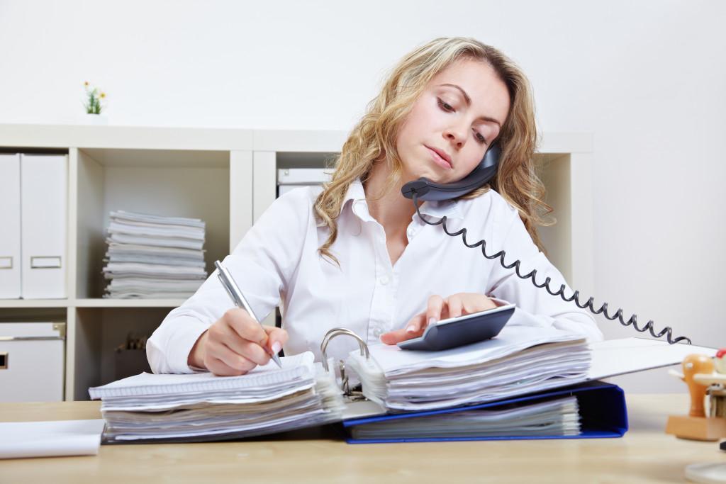 Увольнение в декрете по собственному желанию: правила, основания